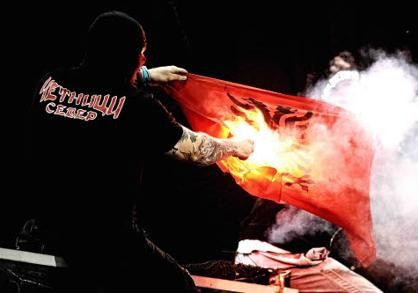 ultras-serbo20[1].jpg